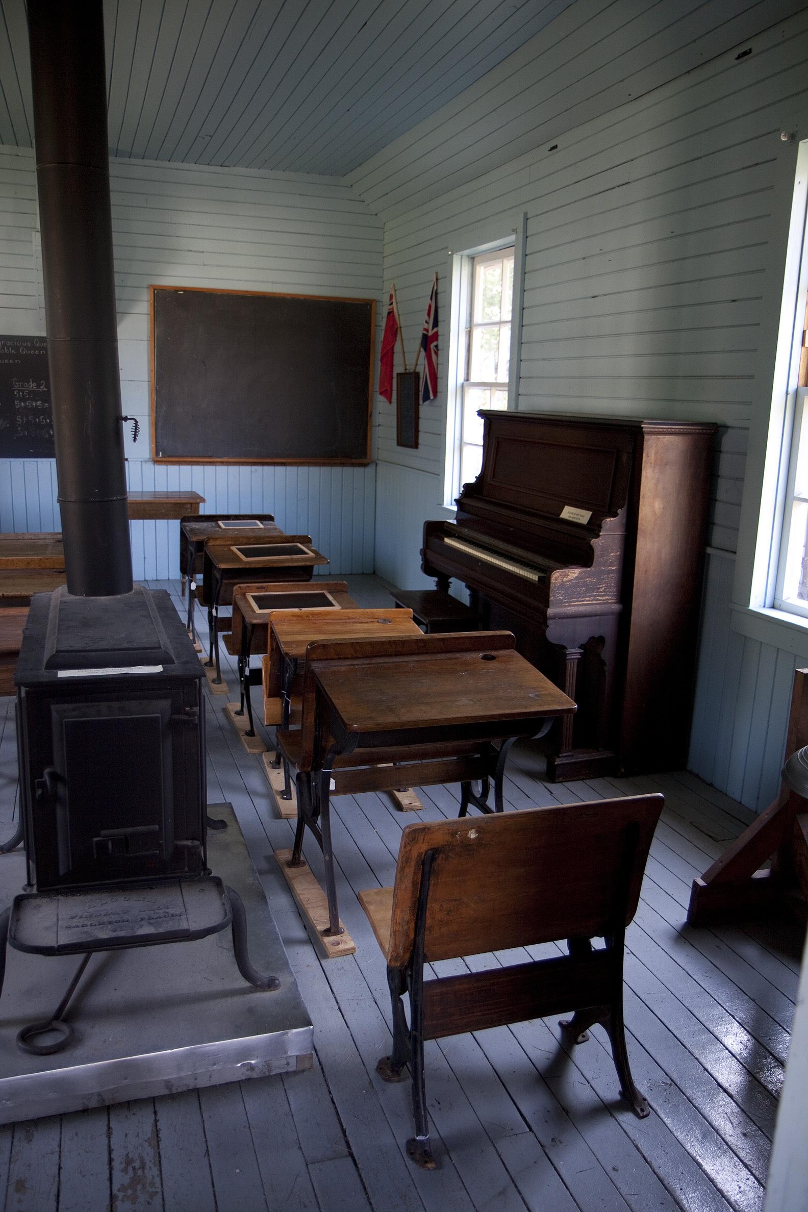 minden schoolhouse2