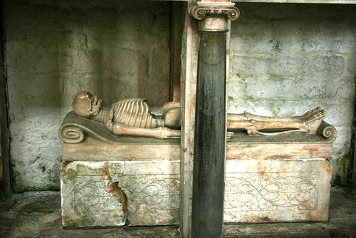 Skeleton Tomb/ Crypt