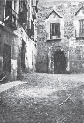 Portada del Palacio de los Señores de Peromoro en su ubicación primitiva en la Calle del Instituto