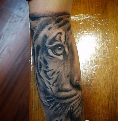 shockingly epic tiger tattoos tattooblend