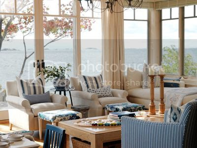 HSSUH101_blue-and-neutral-living-room_s3x4_lead