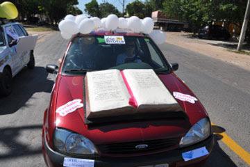 Resultado de imagem para carro bíblia