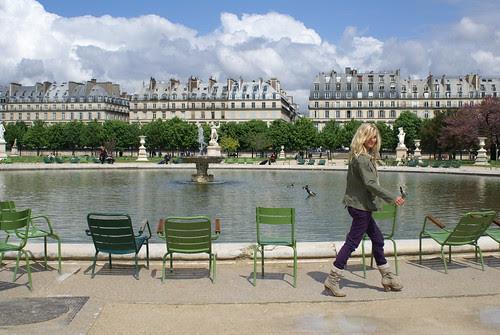 jardin des tuileries by wood & wool stool