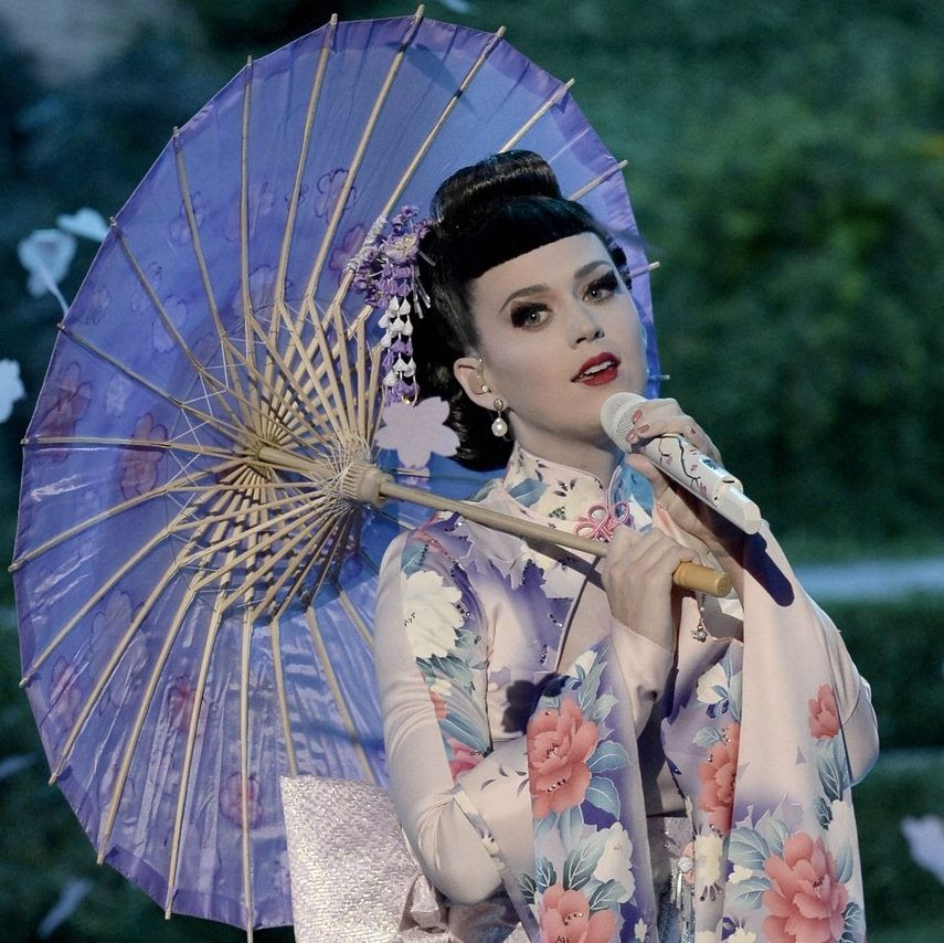 2013 AMAs photo katy-perry-unconditionally-performance-at-amas-2013-video-12.jpg