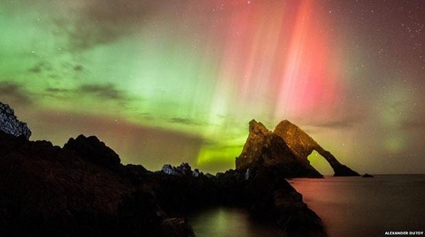 Auroras boreais dão espetáculo nos céus da Grã-Bretanha (Foto: Alexander Dutoy)
