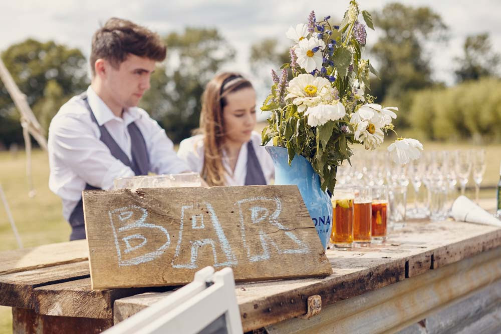 Outdoor bar at Cambridge wedding - www.helloromance.co.uk