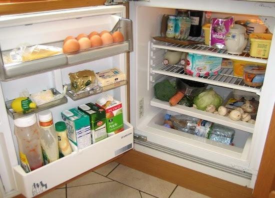 """Résultat de recherche d'images pour """"porte du refrigerateur et aliments"""""""