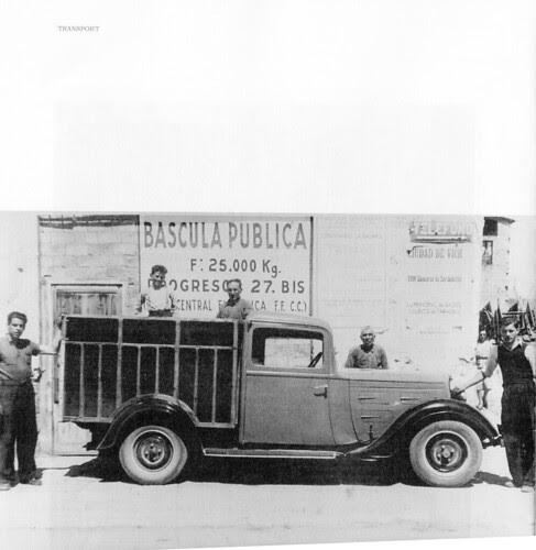 Camioneta a Ripoll als anys cinquanta