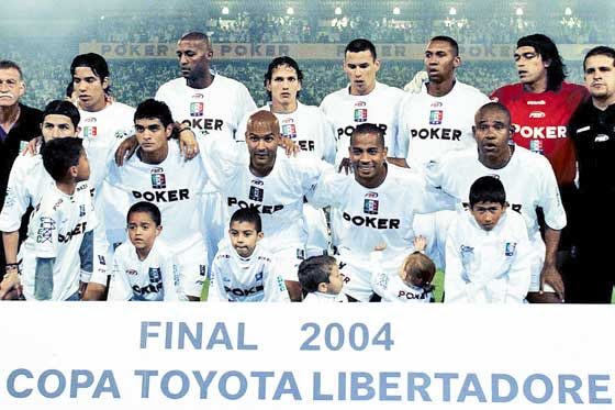 Once Caldas (2004)