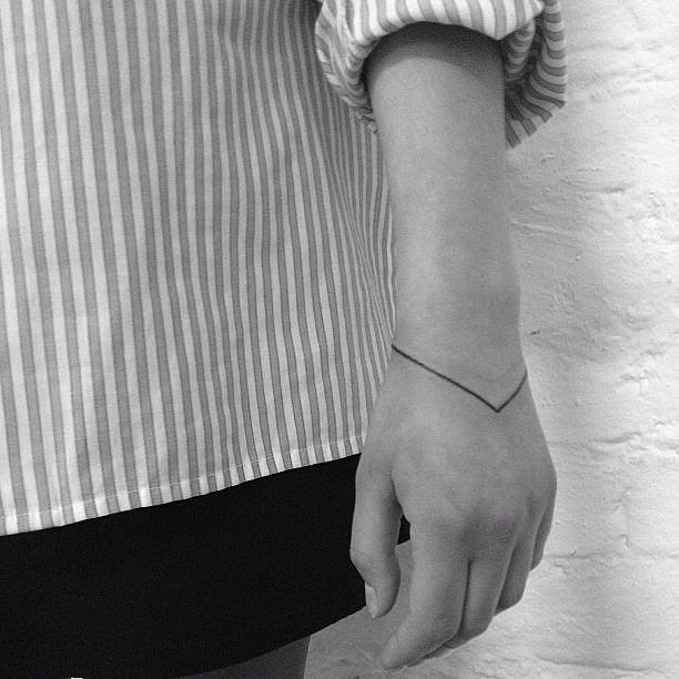 Wrist Tattoo Minimalist Bracelet Tattoomagz