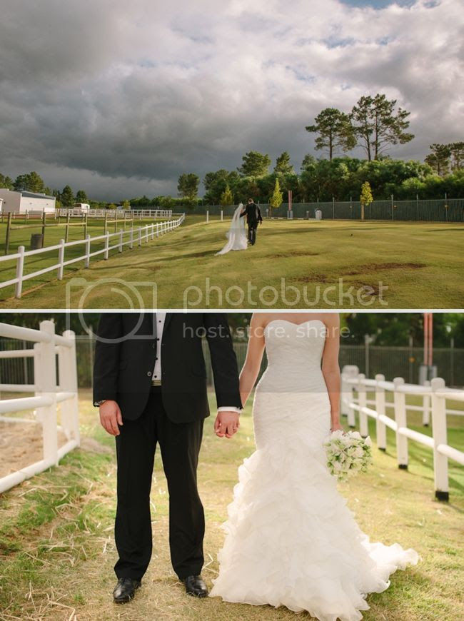 http://i892.photobucket.com/albums/ac125/lovemademedoit/welovepictures/ValDeVie_Wedding_029.jpg?t=1338384307