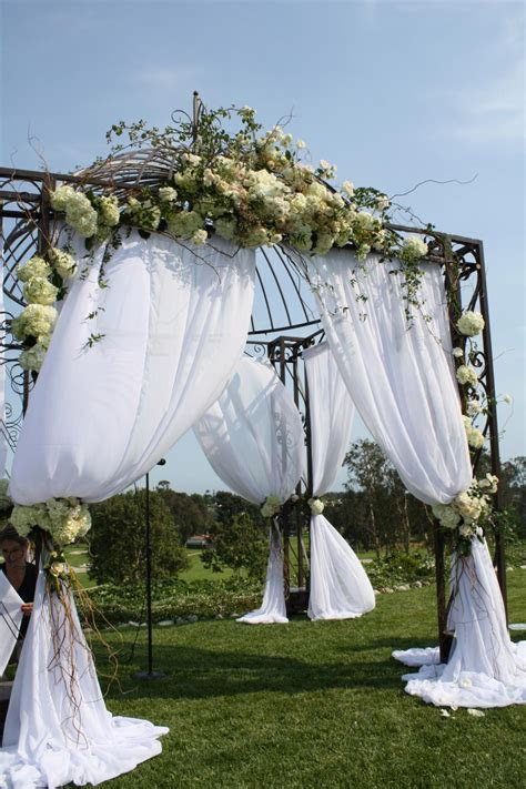 Wedding Flower Pergolas   HGTV