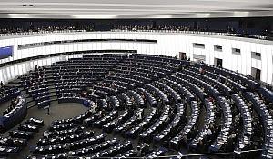 """Eurodeputati """"solo in prima classe"""" E su Twitter scoppia la rivolta"""