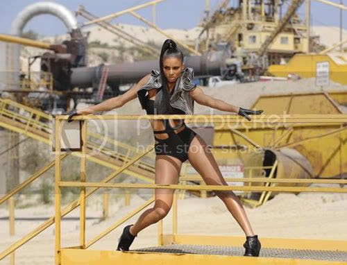 Ciara and her fine self up in the 'Work' video