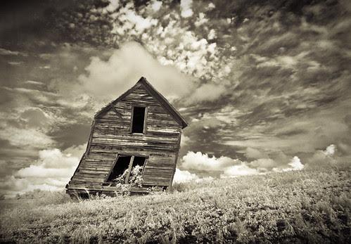Out Of Plumb  por Fotoroadtripr