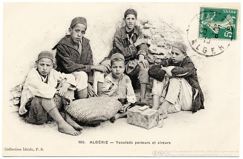 Street-Working Algerian Kids (1910)