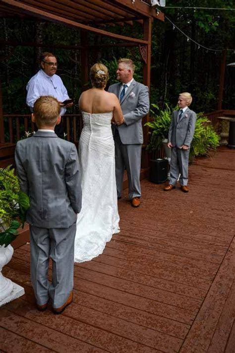 Outdoor Wedding Venues in North Georgia   Queen's Deck