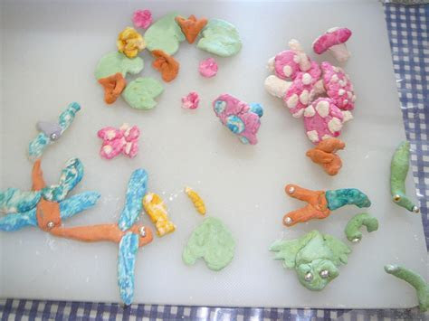 Marshmallow Paste Cake Decorations   Practical Pages
