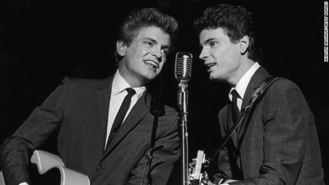 Singer<a href='http://www.cnn.com/2014/01/03/showbiz/singer-phil-everly-dies/index.html?hpt=hp_t1' target='_blank'> Phil Everly</a> -- one half of the groundbreaking, smooth-sounding, record-setting duo the Everly Brothers -- has died, a hospital spokeswoman said. He was 74.