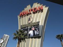 Afuera del Hilton
