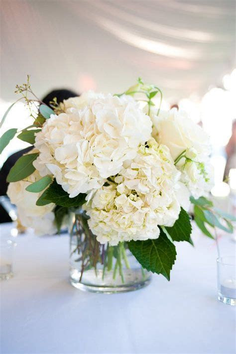 21 Simple Yet Rustic DIY Hydrangea Wedding Centerpieces