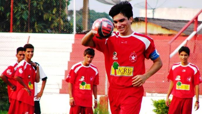 Kinho, volante do Rio Branco-AC, é torcedor fanático do Flamengo (Foto: Manoel Façanha/Arquivo Pessoal)