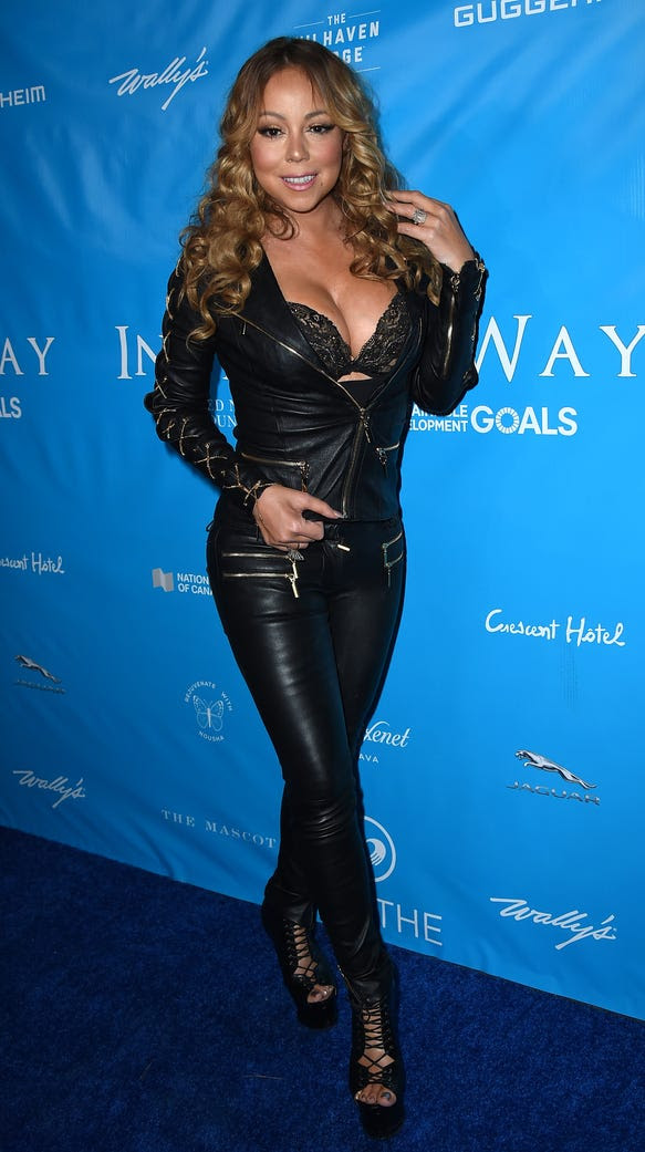 Mariah works it every. time.