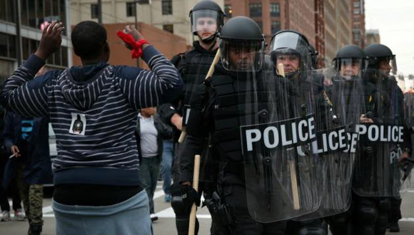 Policia in Baltimore, Maryland.