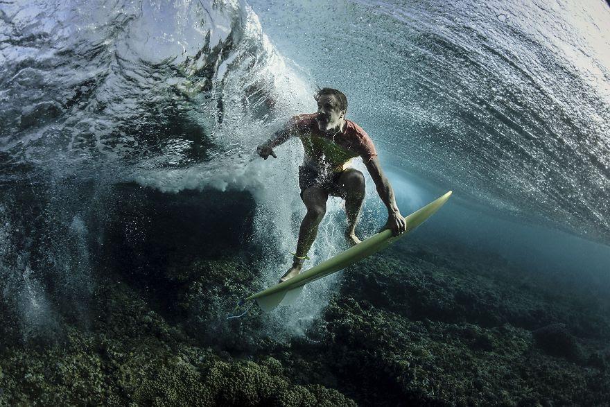# 4 Üçüncü Şampiyonluk Sahibi, İnsanlar: Dalga Altında, Tavarua, Fiji