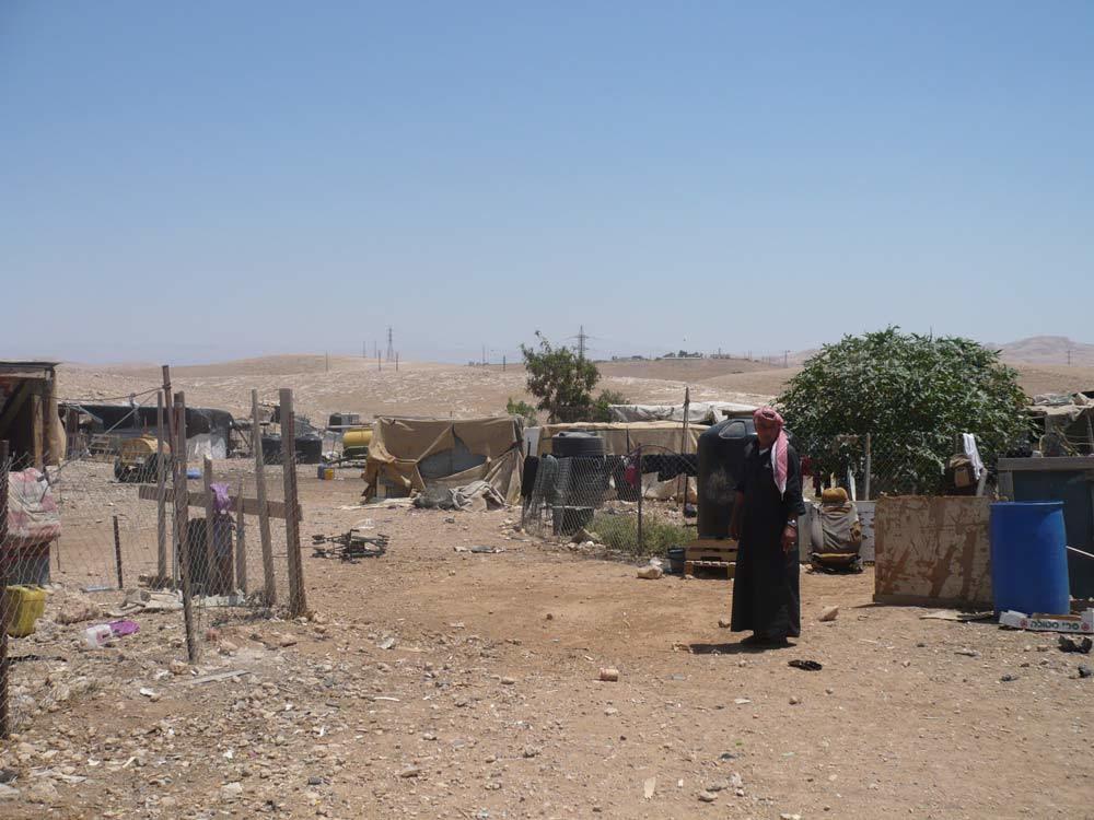 Abu Ra'id nell'accampamento di Khan al Ahmar, agosto 2015. - Francesca Gnetti, Internazionale