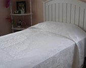 Damask Bed spread Twin Size 1930s from Ireland Gorgeous Snowy White - MAISONDELINGE