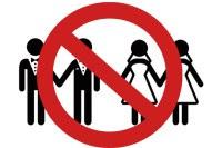 Parlamentares aprovam lei que protege pastores de obrigação de celebrarem casamentos gays