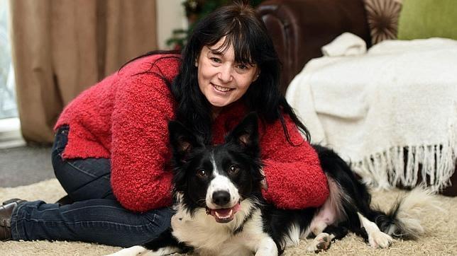 El perro que olió un cáncer y salvó la vida de su dueña