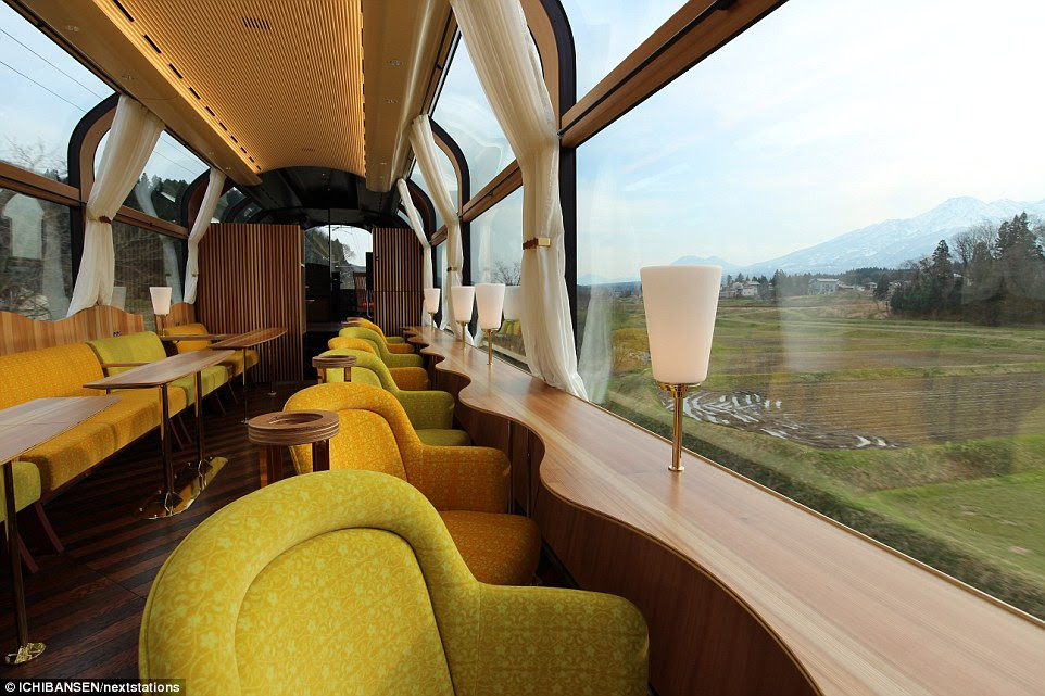 354D809500000578-3642569-Guests_on_the_train_can_soak_up_the_delights_of_the_view_as_well-a-5_1465991095927