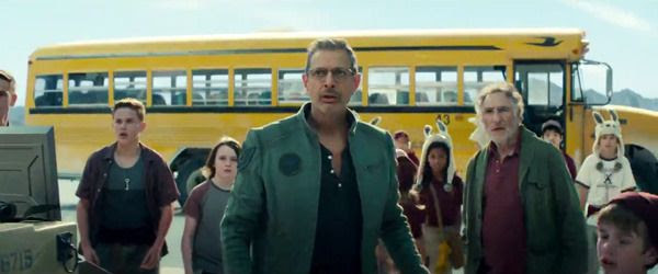 David Levinson (Jeff Goldblum), his father Julius (Judd Hirsch) and a group of kids watch the alien attack in INDEPENDENCE DAY: RESURGENCE.