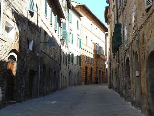 petite rue de Sienne.jpg