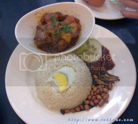 photo 15KluangStationServesTheBestNasiLemak_zps0448c452.jpg