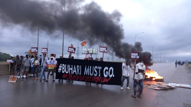 """Tension as Youths Protest In Abuja-""""Buhari Must Go"""" (Photos)"""