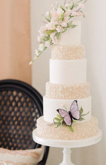 Best 20  Butterfly Wedding Cake ideas on Pinterest