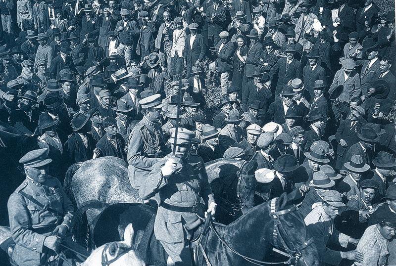 Ficheiro:Desfile de tropas 28 de Maio 1926.jpg