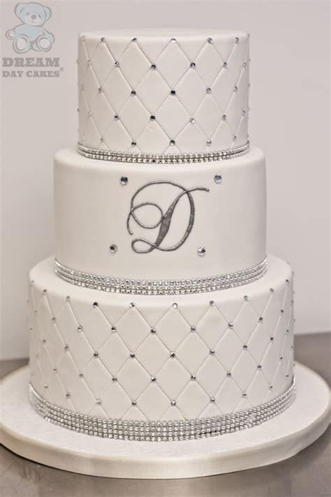 40 Wedding Cake Designs with Elaborate Fondant Flowers