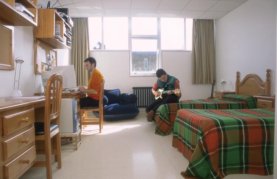 Resultado de imagen de centro residencial docente a coruña