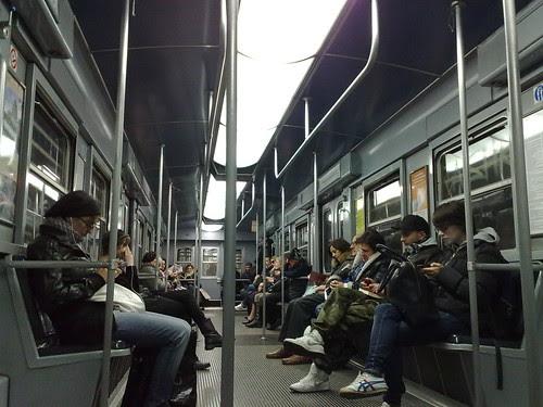 Ritorno in metro di lunedì by durishti