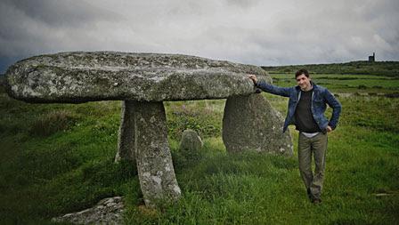 http://www.bbc.co.uk/pressoffice/pressreleases/stories/2010/08_august/25/assets/gfx/forEMP/448_artofcornwall.jpg
