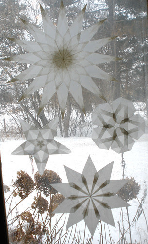 4 White Window Stars