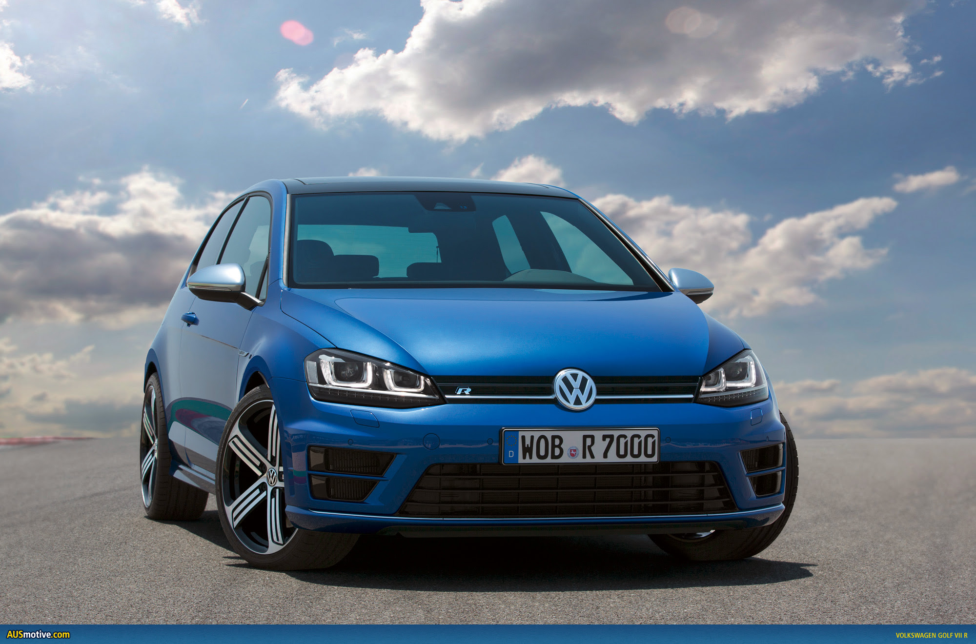 AUSmotive.com \u00bb Volkswagen Golf VII R photo gallery