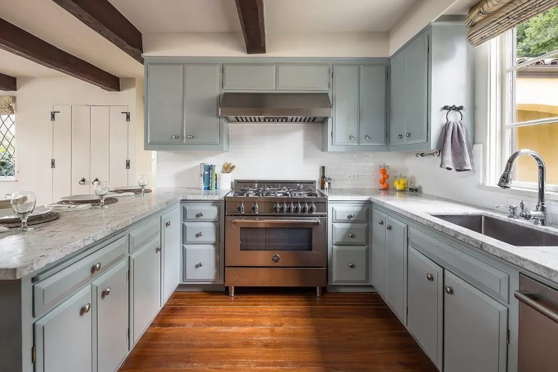 What Kind of Paint to Use on Kitchen Cabinets?