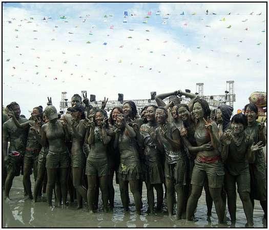 Boryeong-Mud-Festival-South-Korea
