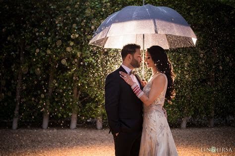 6 Tips for Incredible Rainy Day Wedding Photos