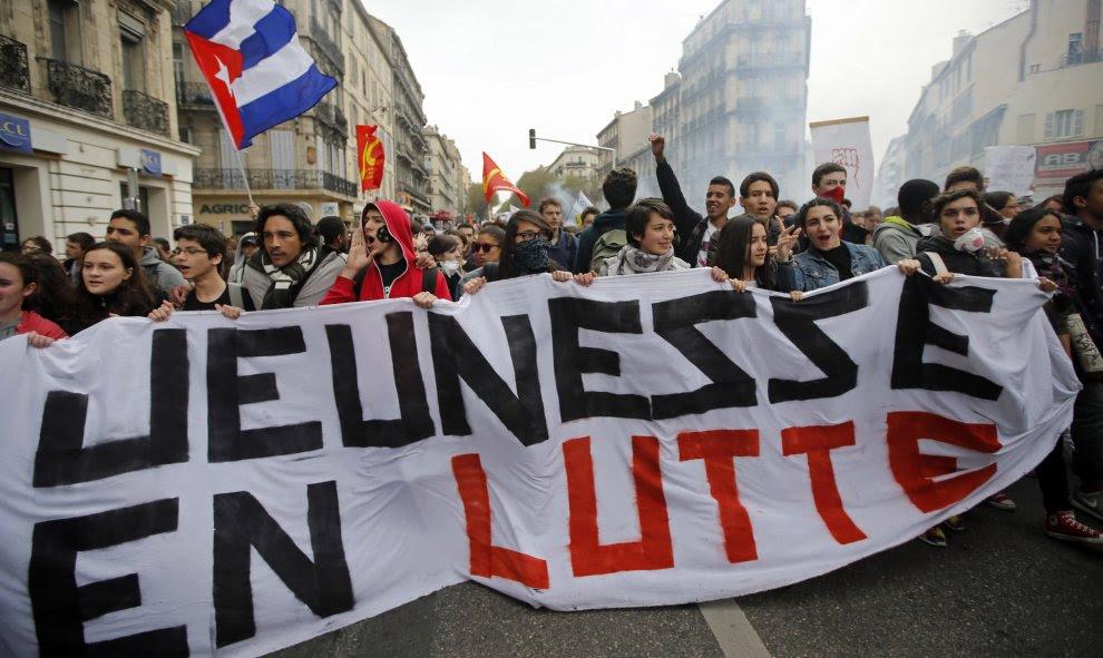Estudiantes franceses se manifiestan en contra de la reforma laboral francés en Marsella, Francia. REUTERS